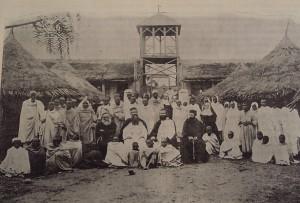 2. Tous les lépreux et lépreuses avec tout le personnel de la léproserie / All lepers with the staff of the leprosarium